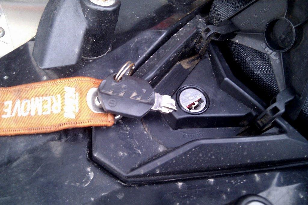 KTM 690 Schlüssel abgerissen